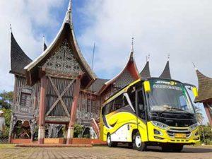 sewa bus pariwaisata murah padang